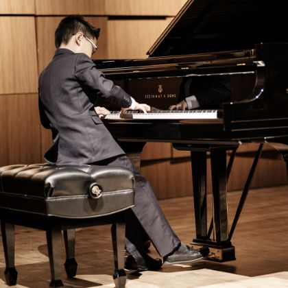 http://www.steinway.com/misc/steinway-piano-competition/winners